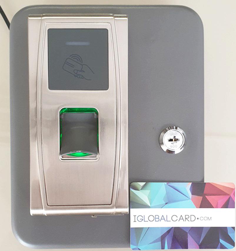 Caja de seguridad con control de presencia por huella dactilar
