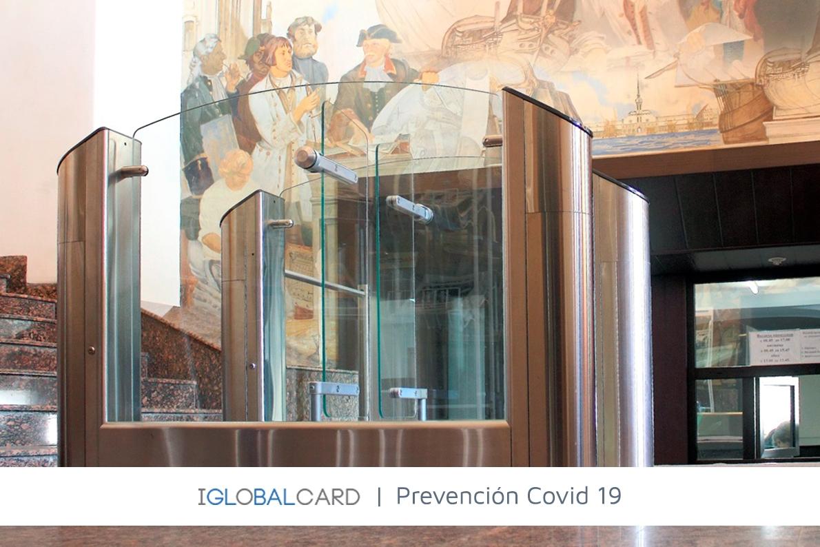 Sistema de control de temperatura y acceso con dos pasillos