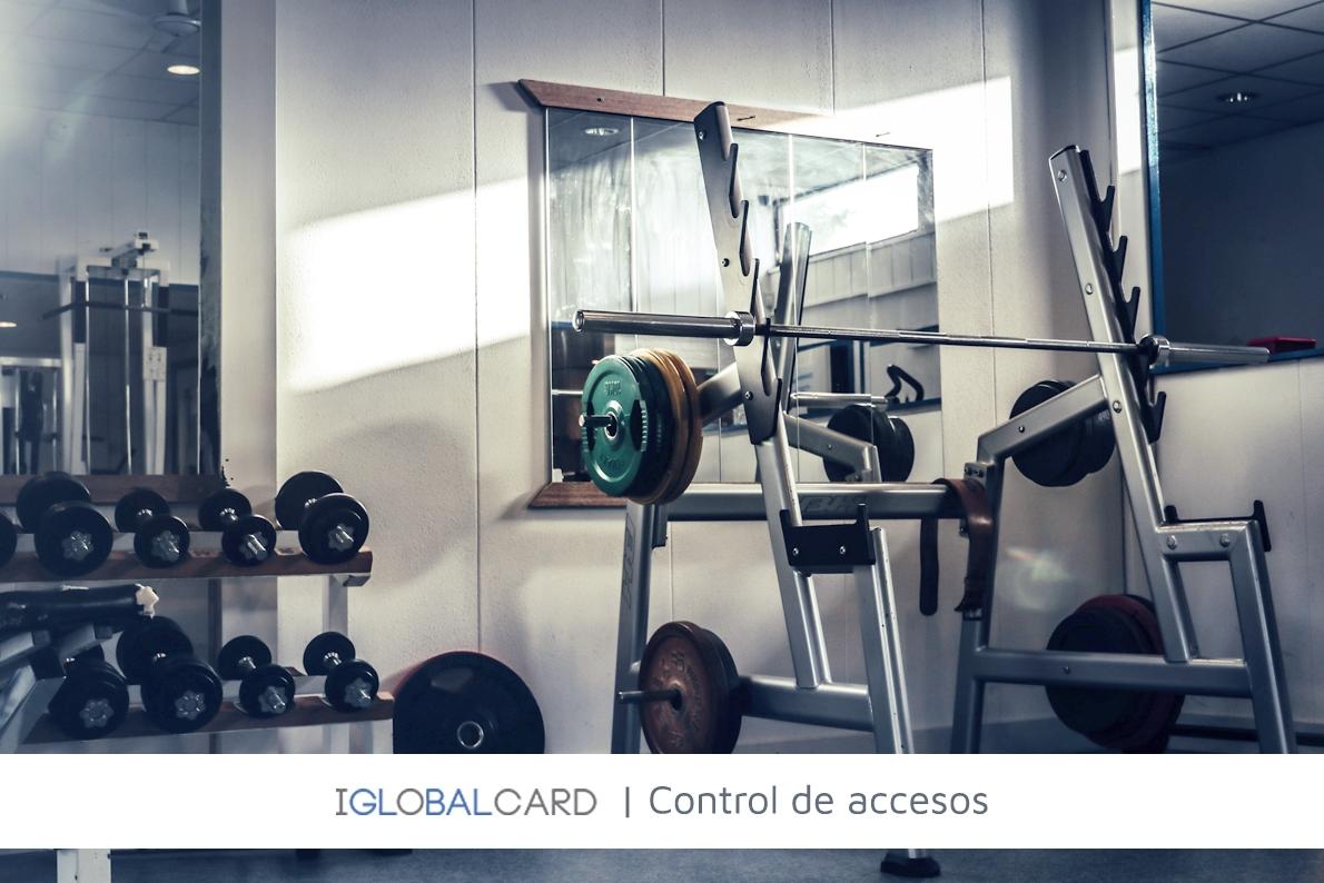 Torno con brazo giratorio para control de acceso a gimnasio