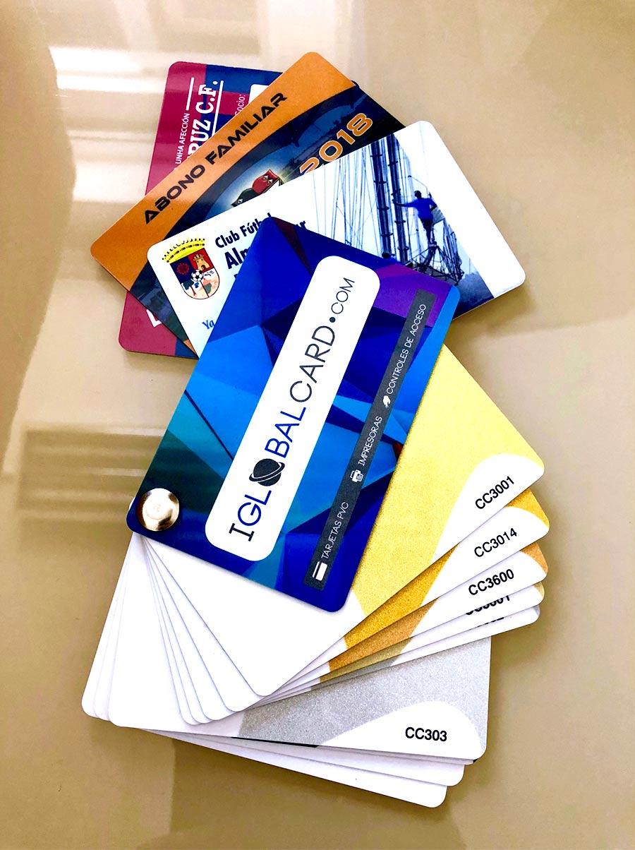 Oferta de carnets de PVC personalizados para equipos de fútbol