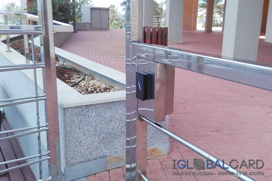 Terminal de control de acceso a piscina en Murcia
