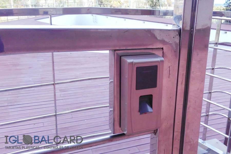 control-de-acceso-piscinas-iglobalcard