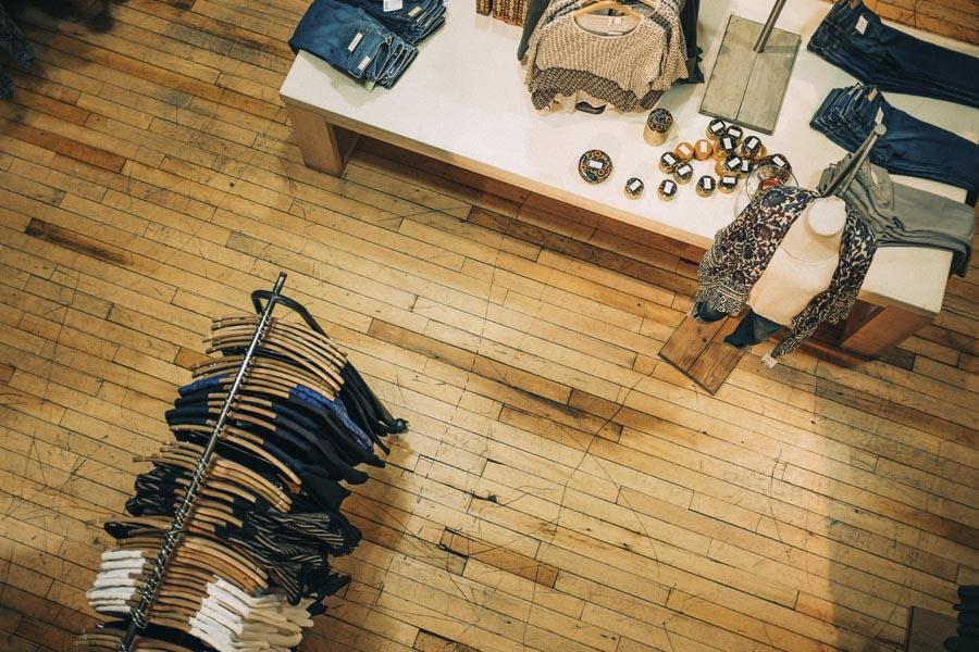 fidelizacion-clientes-centro-comercial-tienda-de-ropa