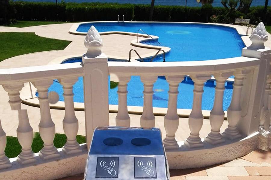 Sistema de control de acceso a piscina en comunidad de vecinos