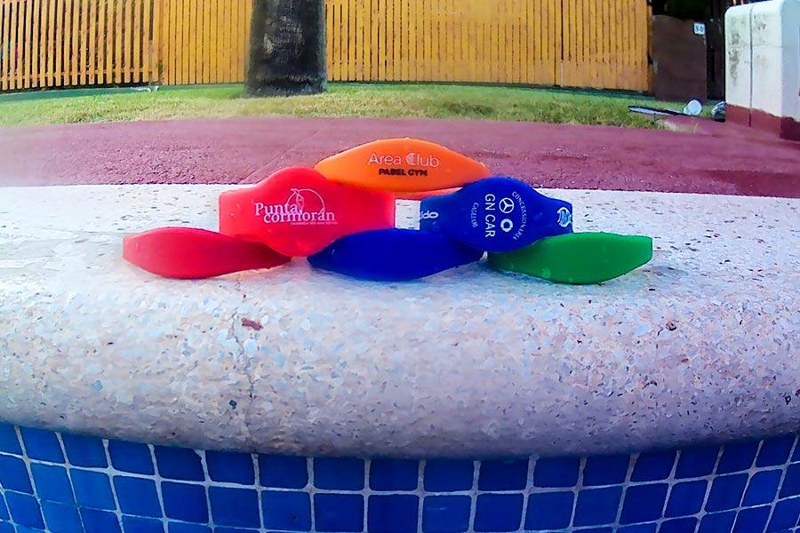 Pulseras de silicona para el acceso a piscinas
