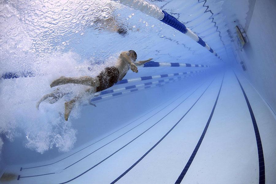 Acceso a piscinas privadas, control de acceso de usuarios e invitados