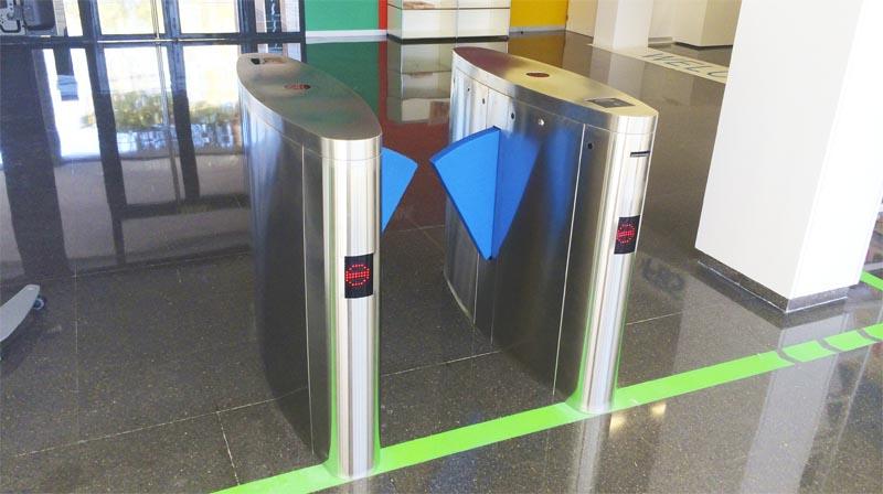 Tornos y control de acceso en centro de negocios